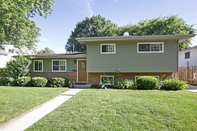 Photo of 614 Lisa Road  WEST DUNDEE  IL