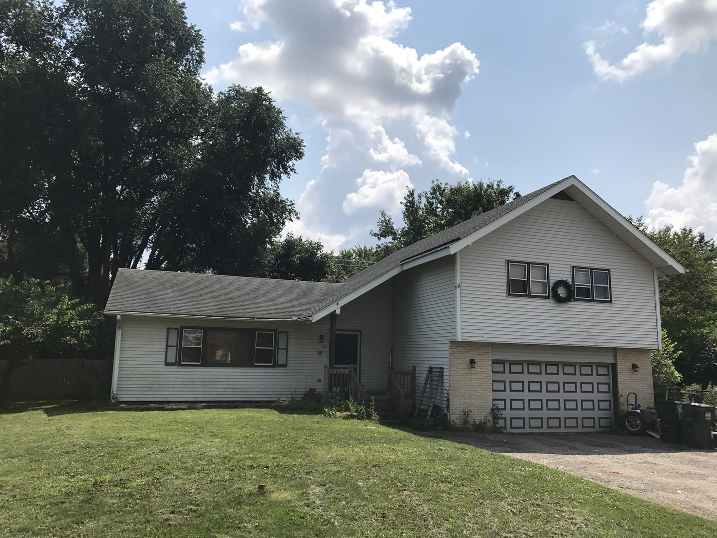 911 North Avenue, Crystal Lake in Mc Henry County, IL 60014 Home for Sale