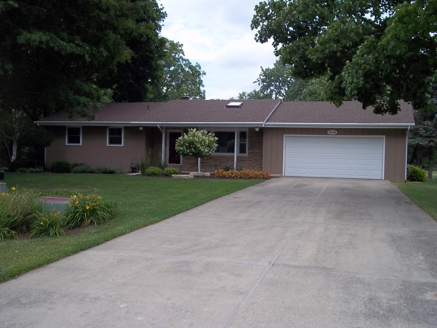 Photo of 25744 Hickory Court  MINOOKA  IL