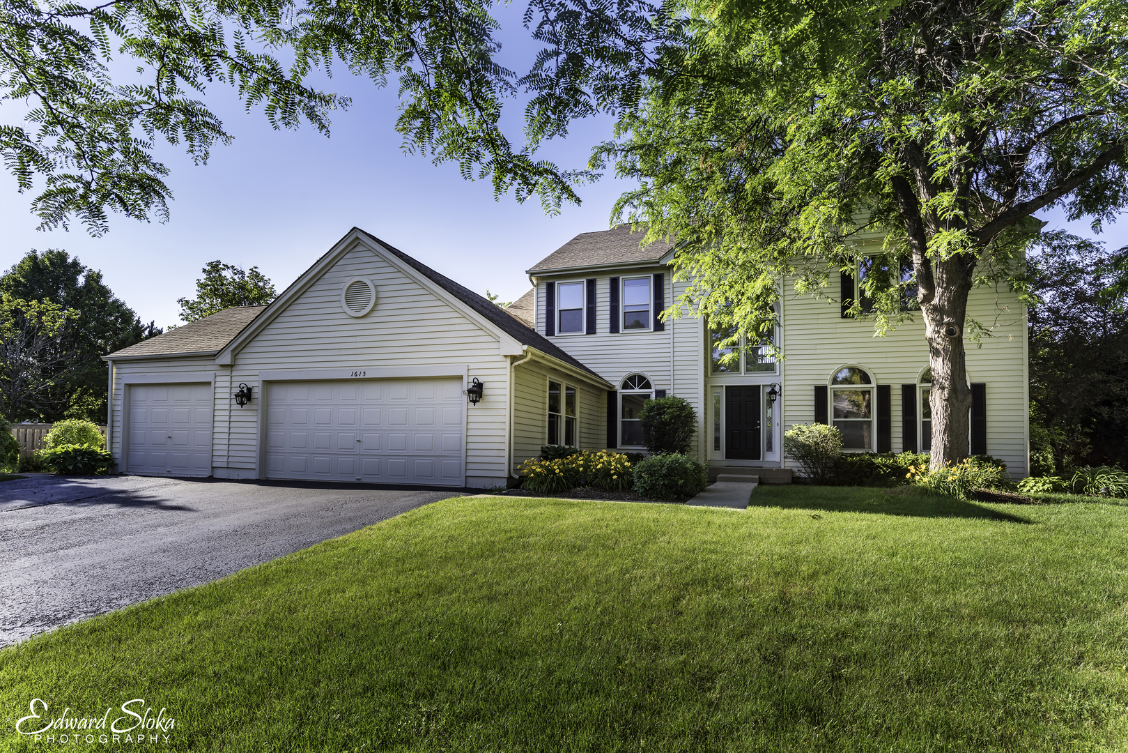 1615 Lilac Drive, Crystal Lake in Mc Henry County, IL 60014 Home for Sale
