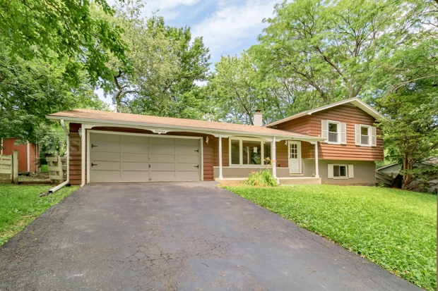 Photo of 22W362 Hackberry Drive  GLEN ELLYN  IL