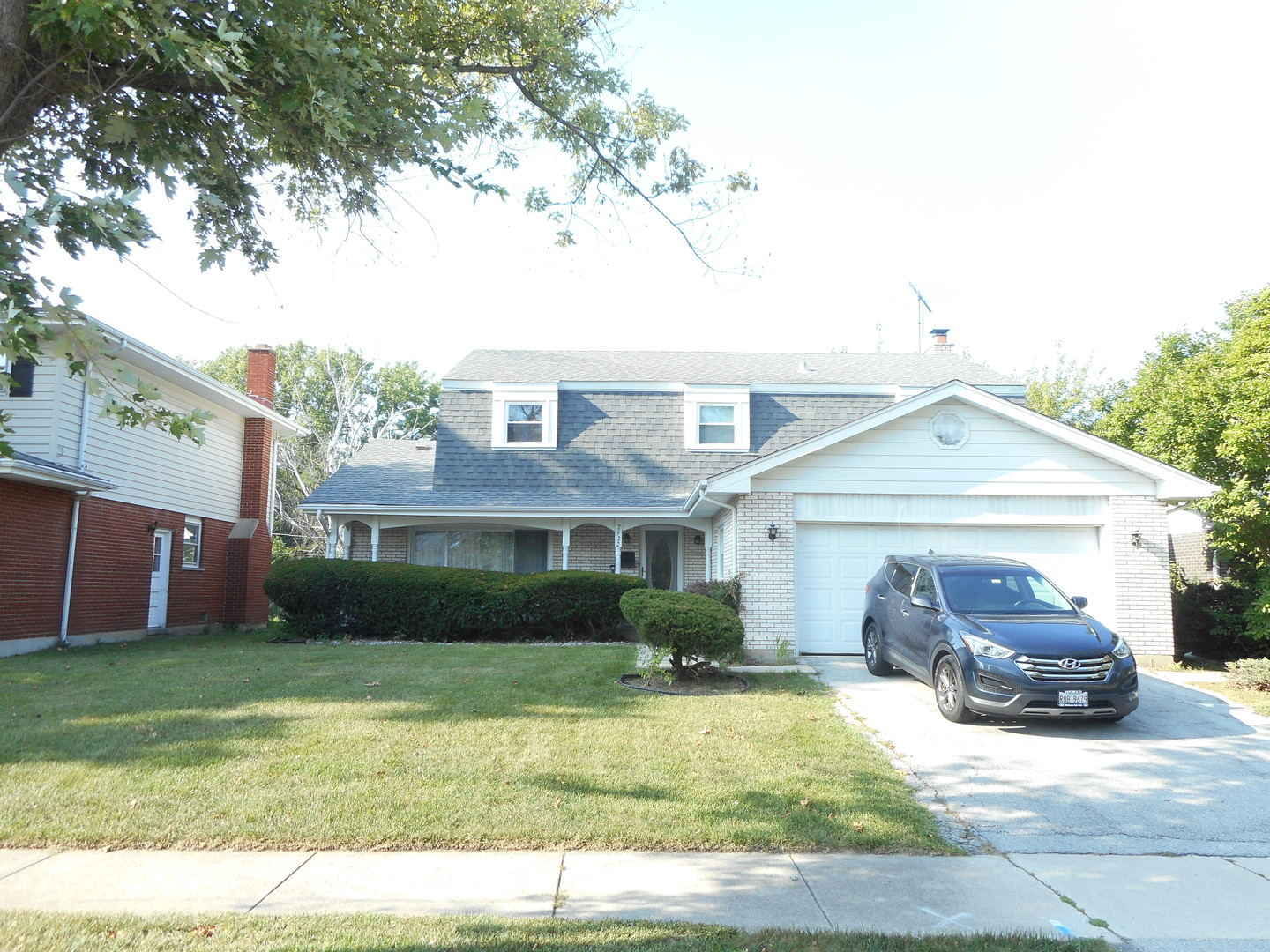 Photo of 2922 Chayes Park Drive  HOMEWOOD  IL