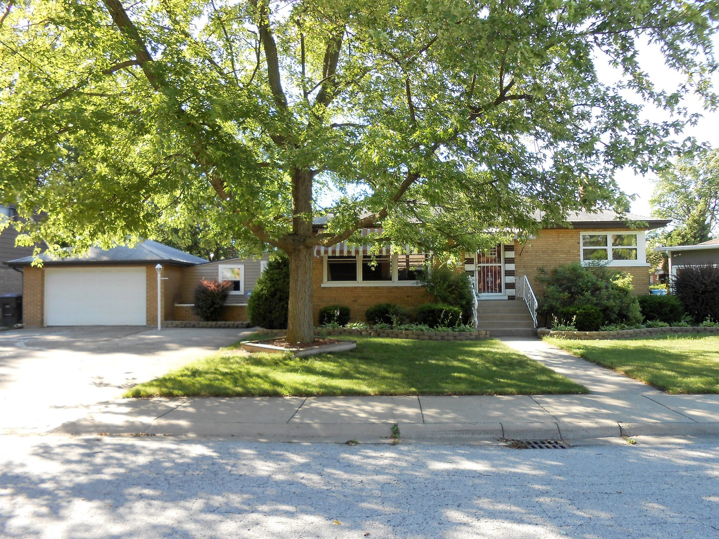 Photo of 15560 ROSE Drive  SOUTH HOLLAND  IL