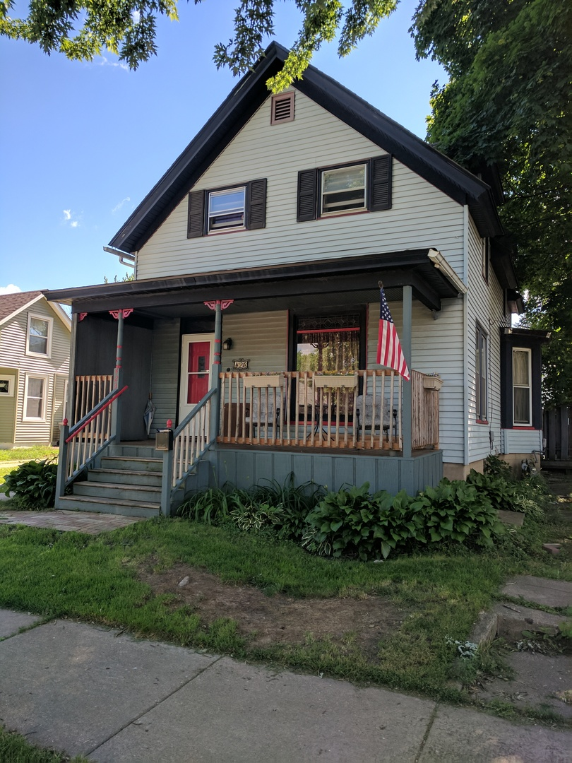 Photo of 423 Orchard Street  ELGIN  IL