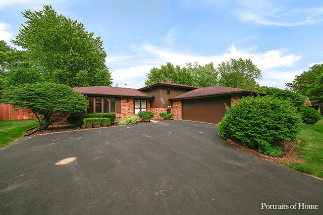 Photo of 8023 Winter Circle  DOWNERS GROVE  IL