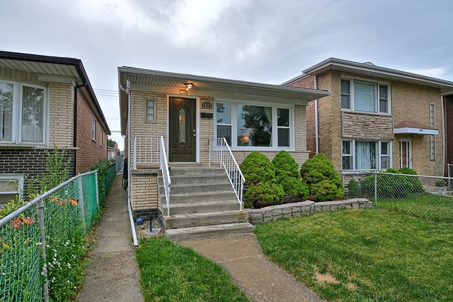 Photo of 7027 West 63rd Street  CHICAGO  IL
