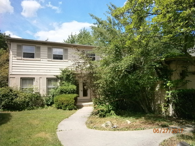 Photo of 575 LAKE COOK Road  HIGHLAND PARK  IL