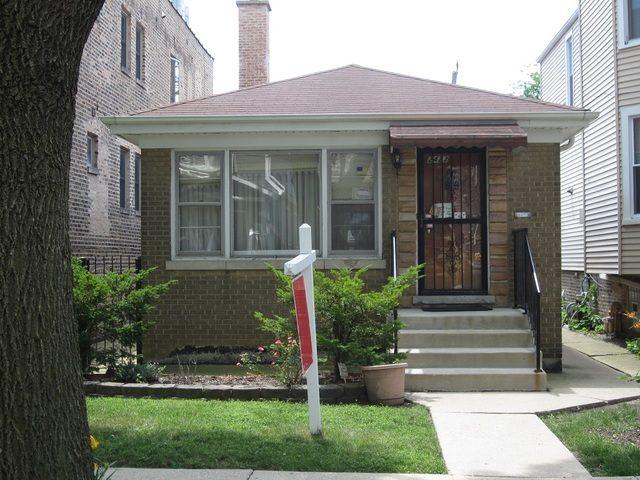 Photo of 2423 West Hutchinson Street  CHICAGO  IL