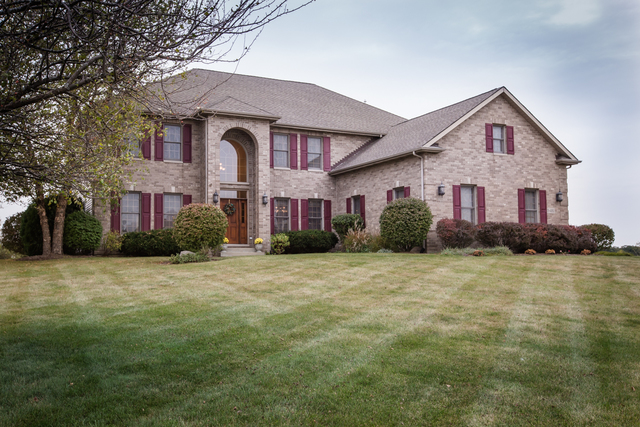 11n480 Hunter Trail Elgin, IL 60124