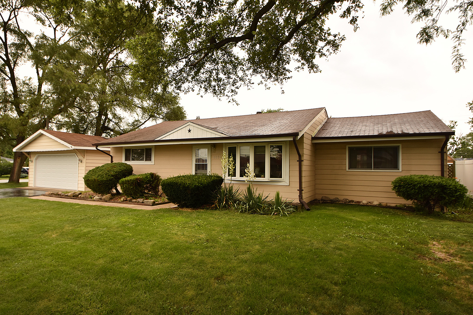 Photo of 4830 138th Court  Crestwood  IL
