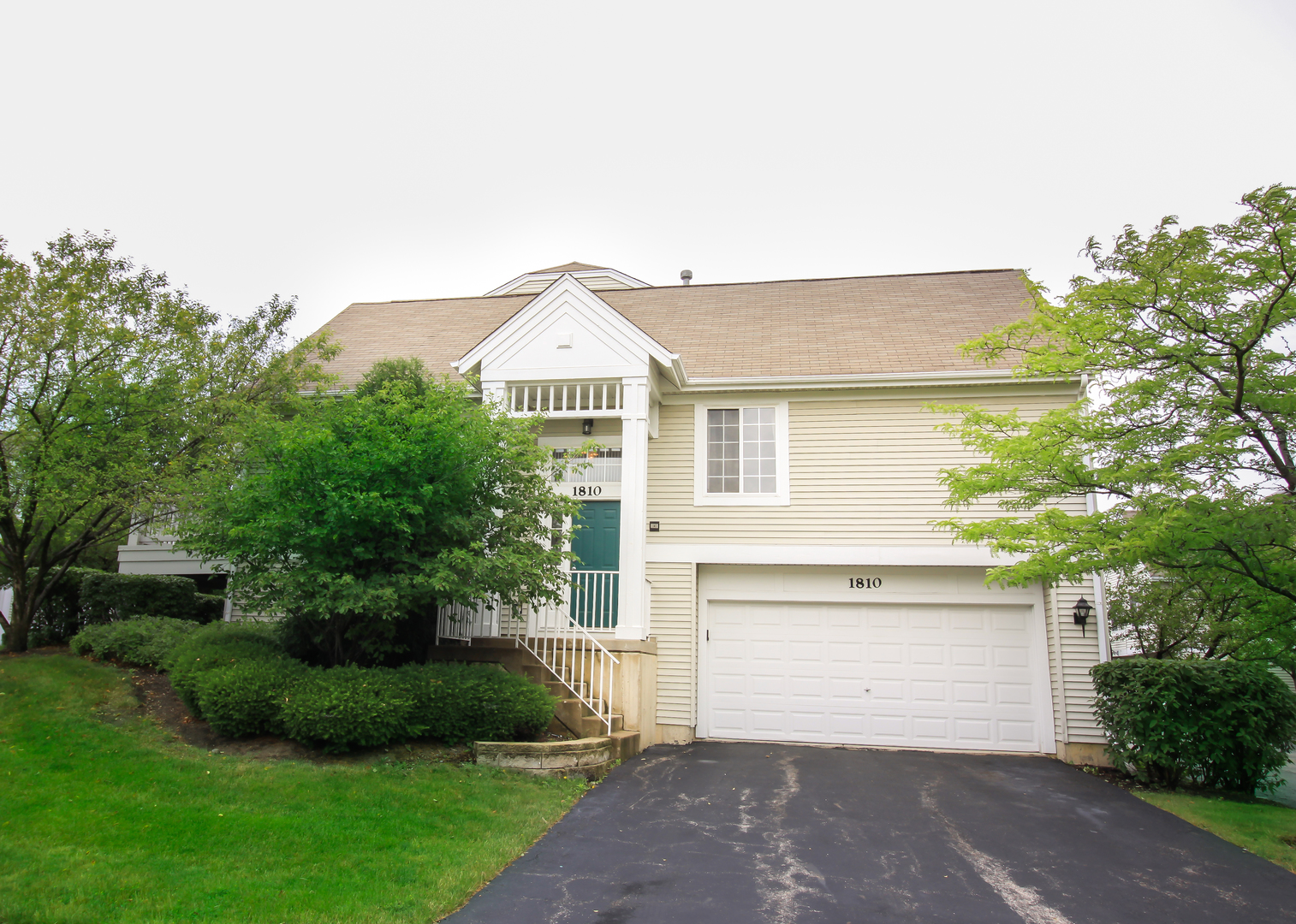 Photo of 1810 CONCORD Drive  GLENDALE HEIGHTS  IL