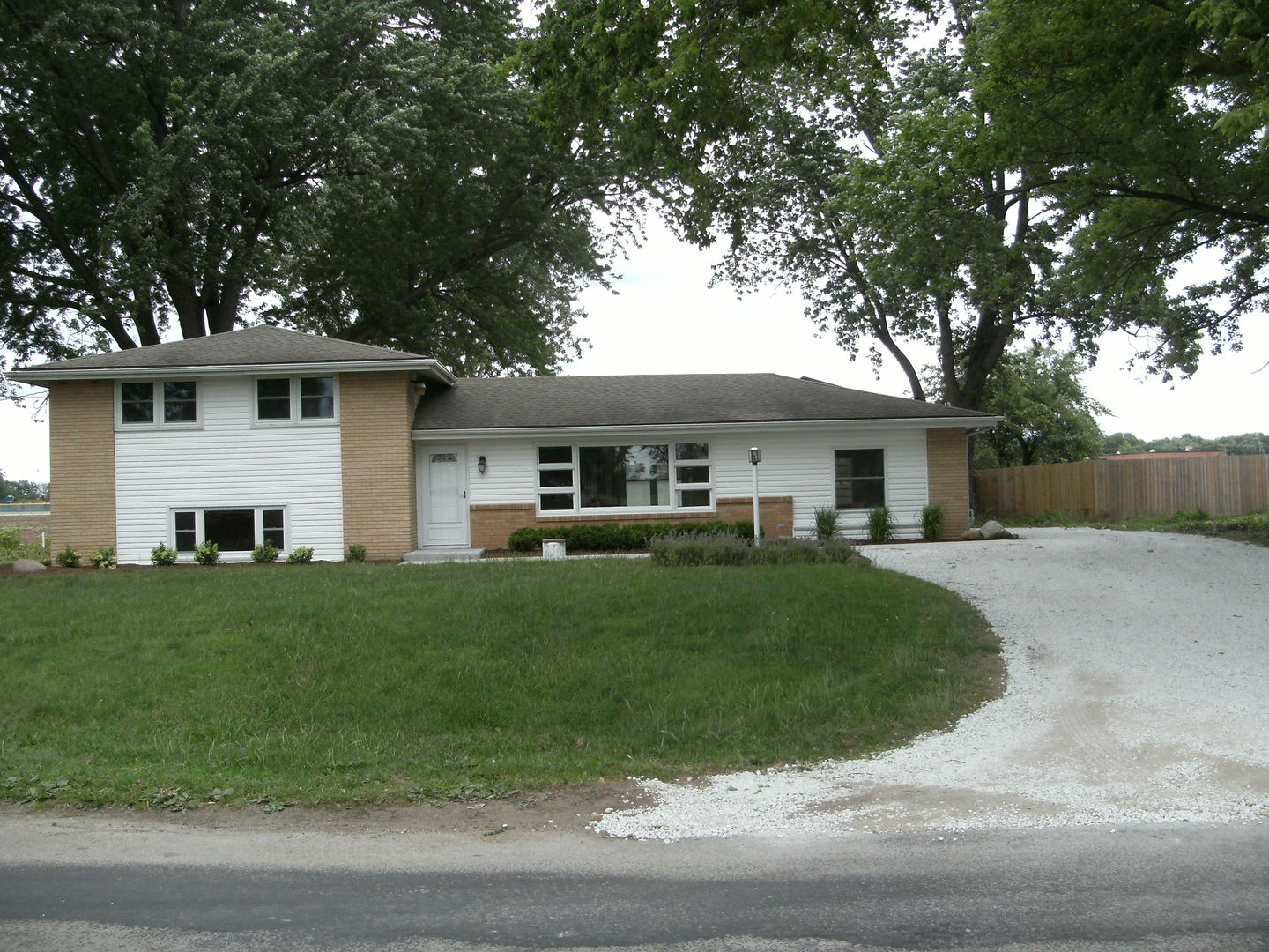 Photo of 10153 East River North Road  MOMENCE  IL
