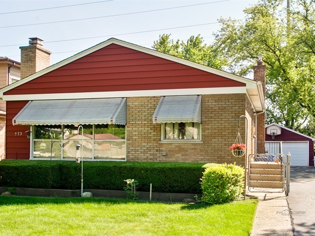 Photo of 573 BARBERRY Road  HIGHLAND PARK  IL