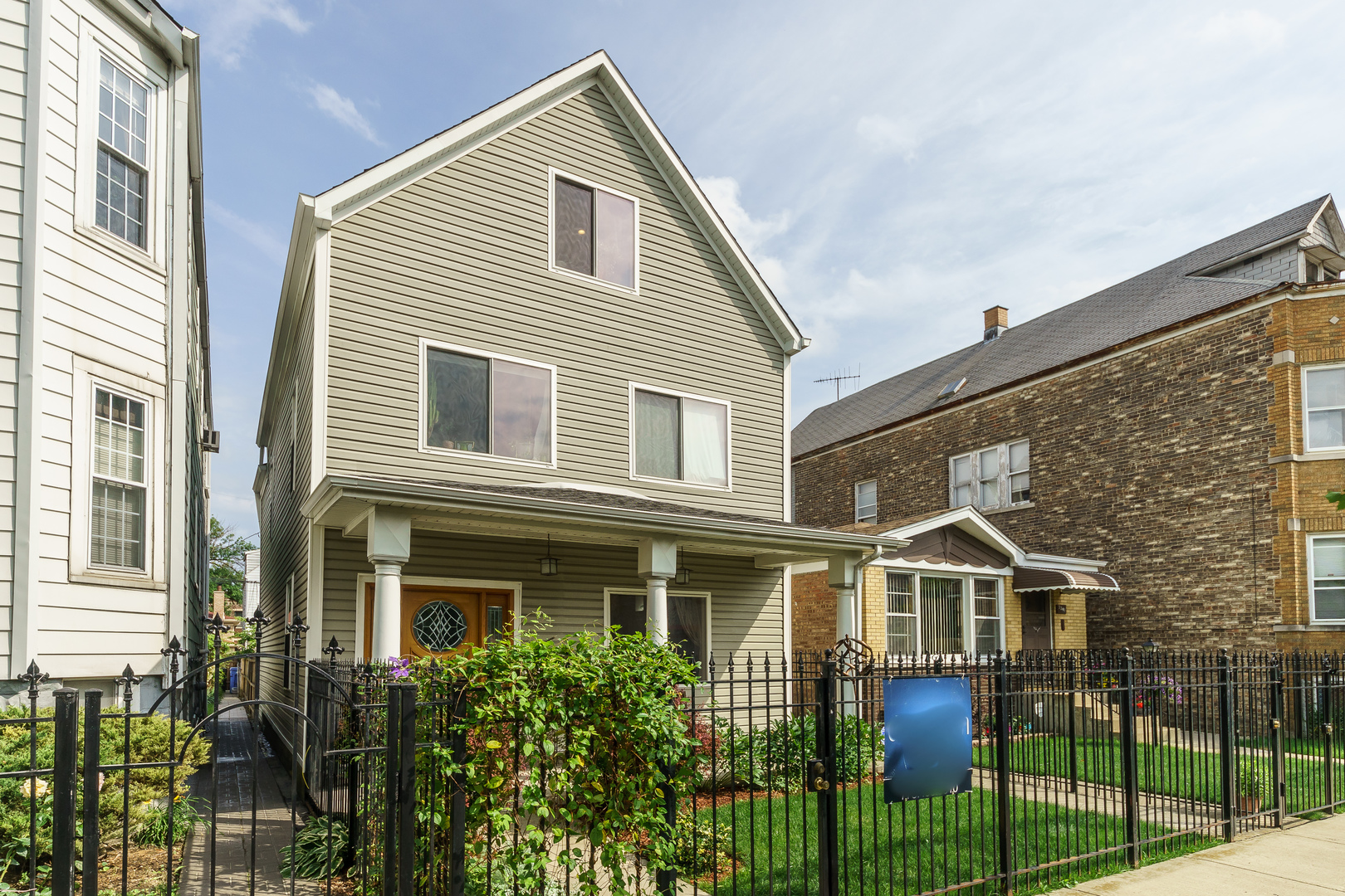 Photo of 3045 North Gresham Avenue  CHICAGO  IL