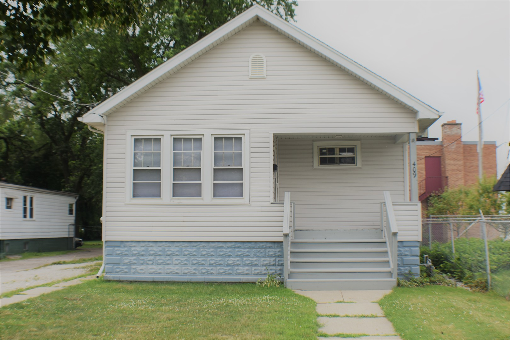 Photo of 409 East 144th Street  DOLTON  IL
