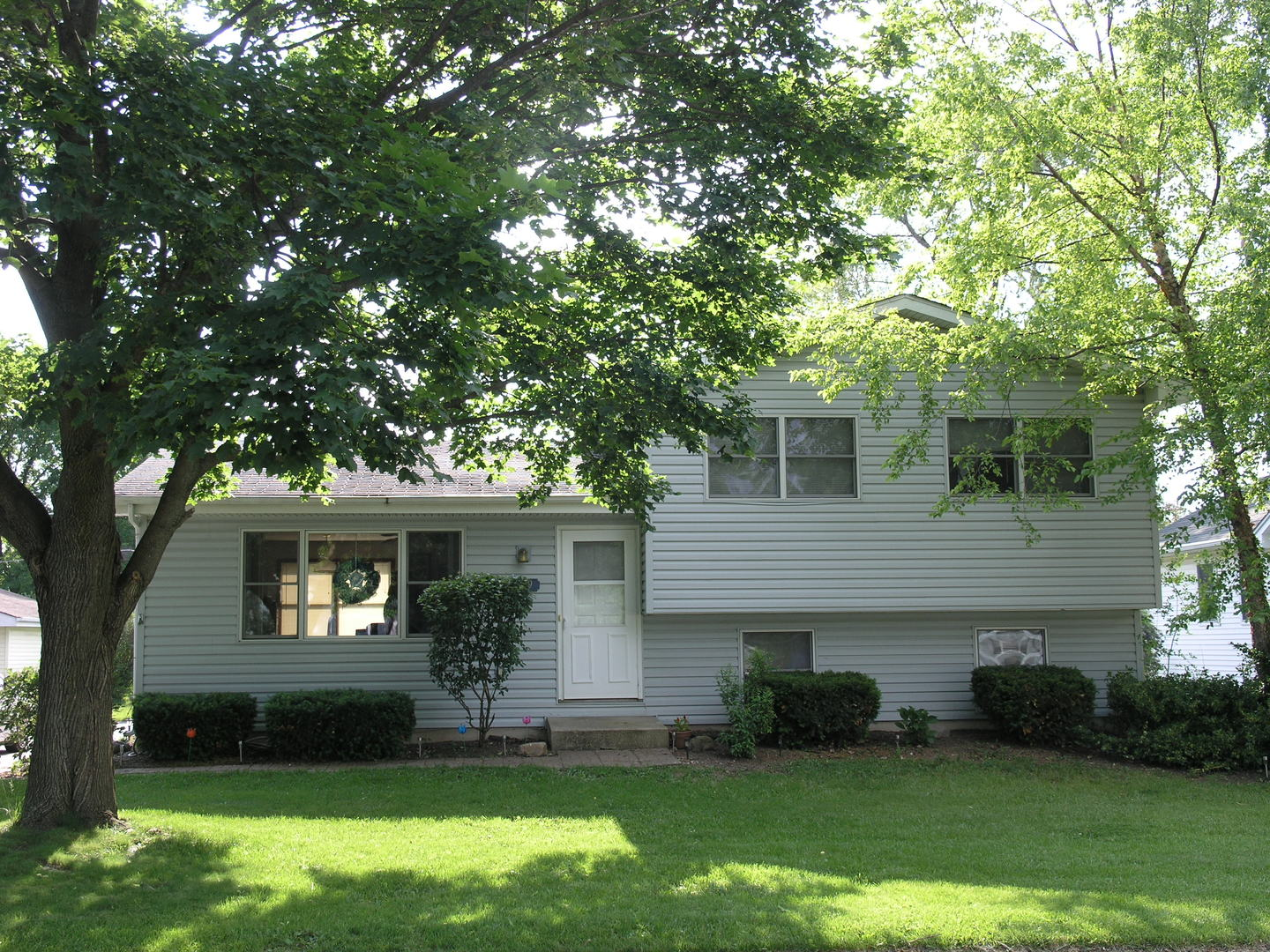 Photo of 609 Oxford Court  NEW LENOX  IL