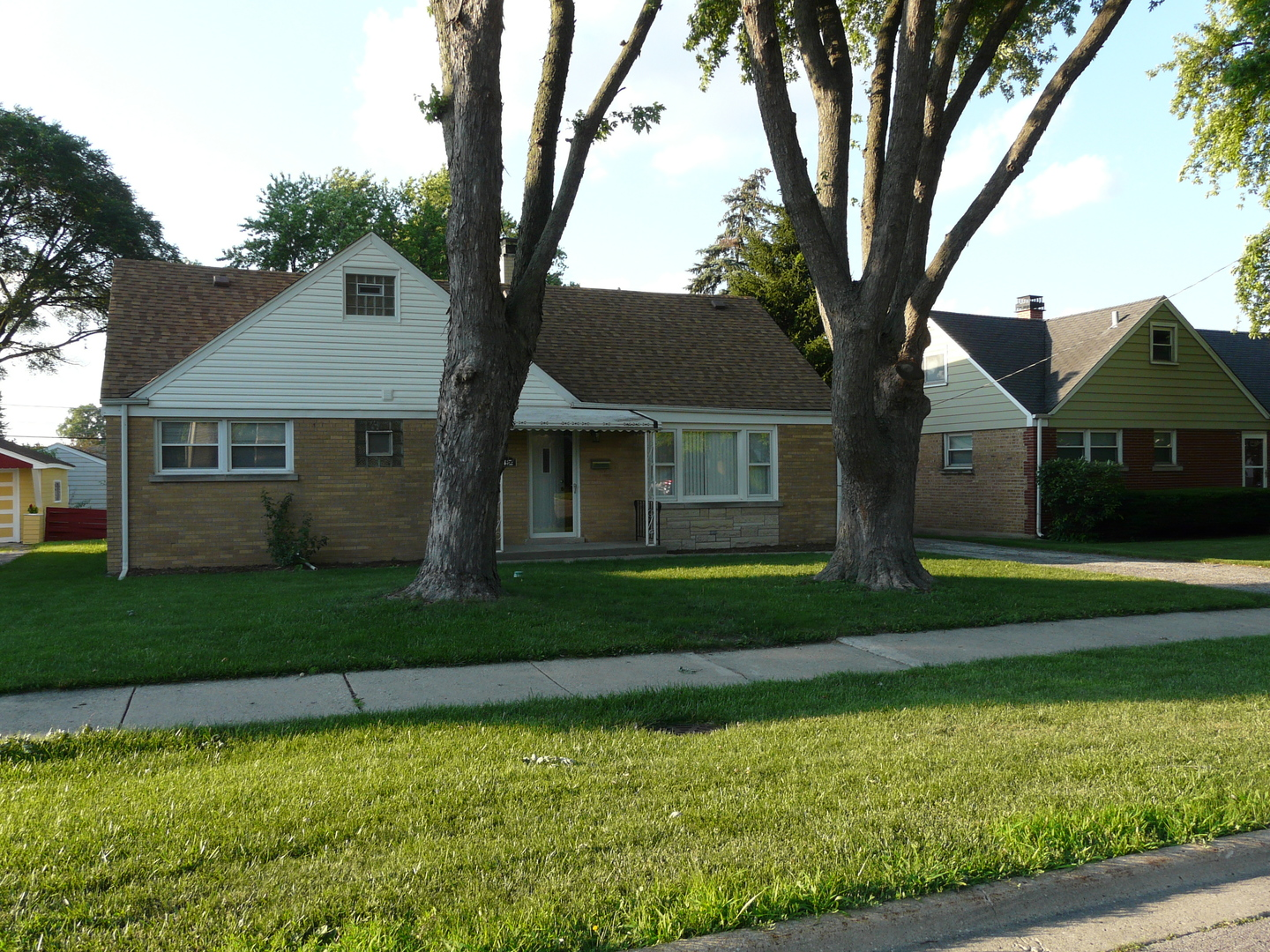 Photo of 42 WEST Drive  NORTHLAKE  IL