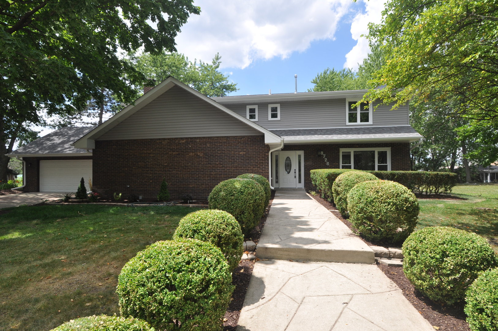 Photo of 8728 Willow Drive  JUSTICE  IL