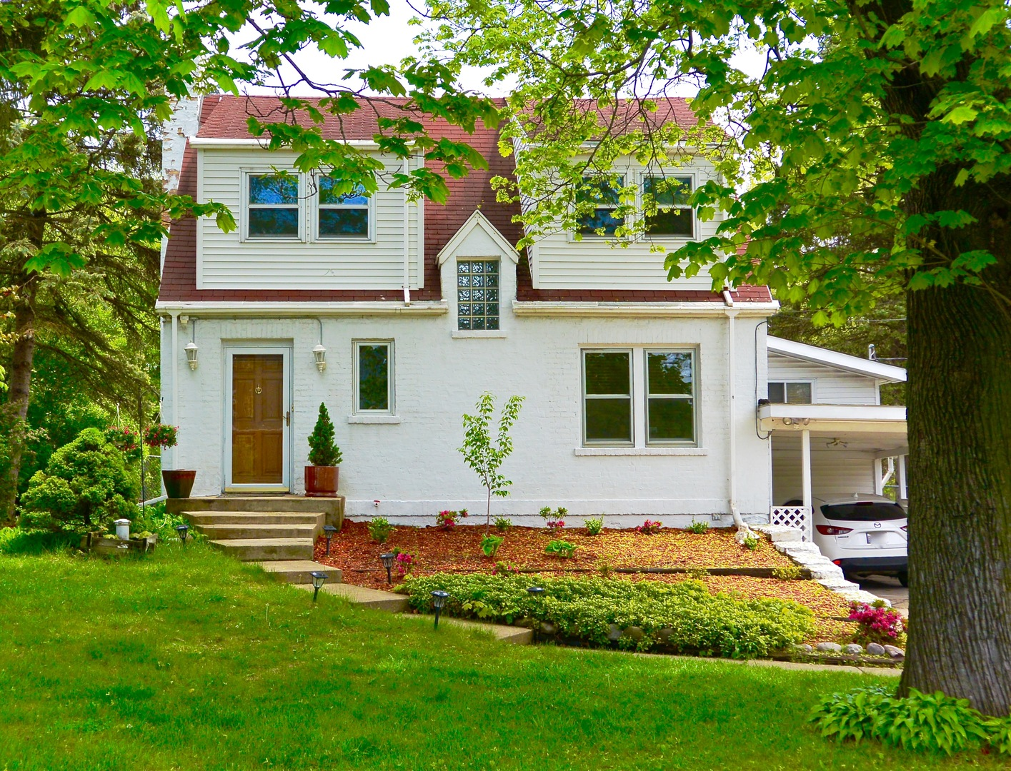 Photo of 703 North Elmhurst Road  PROSPECT HEIGHTS  IL