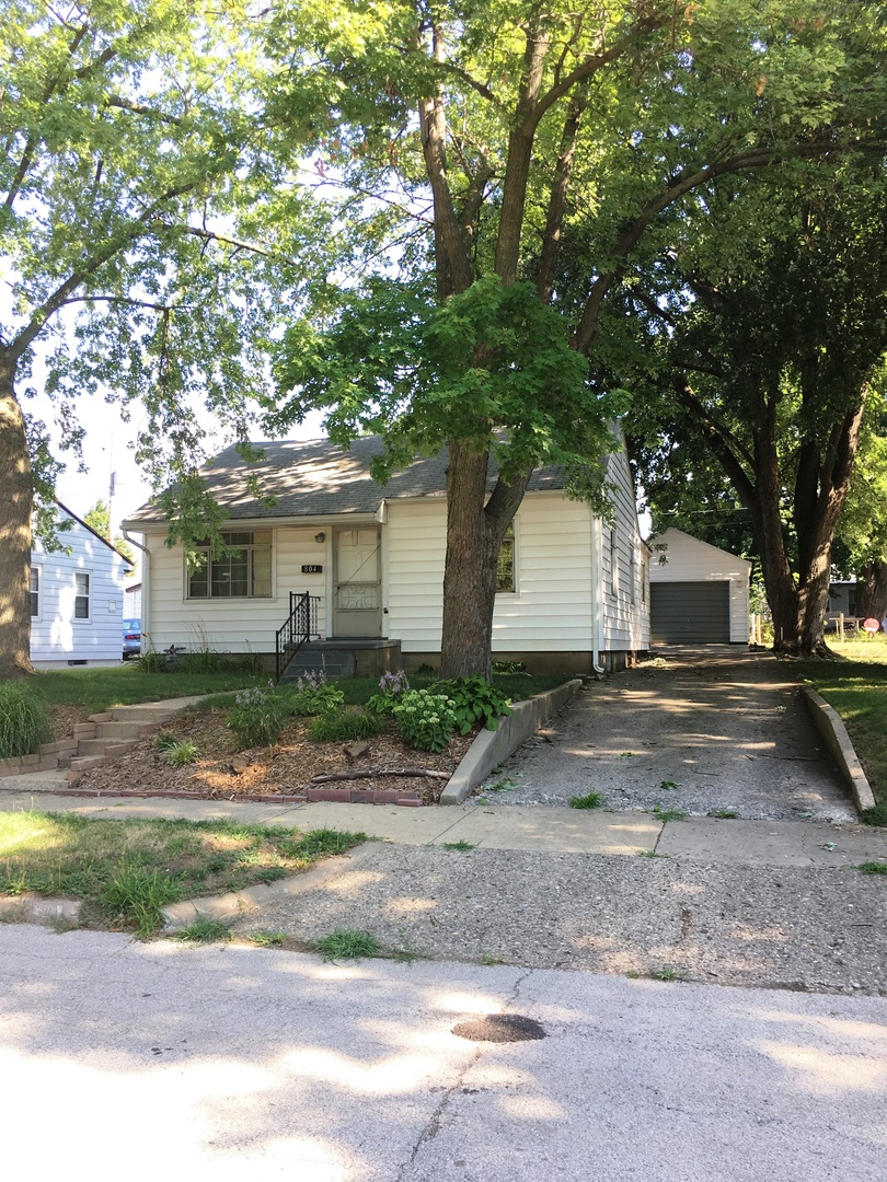 Photo of 804 West Maple Street  CHAMPAIGN  IL