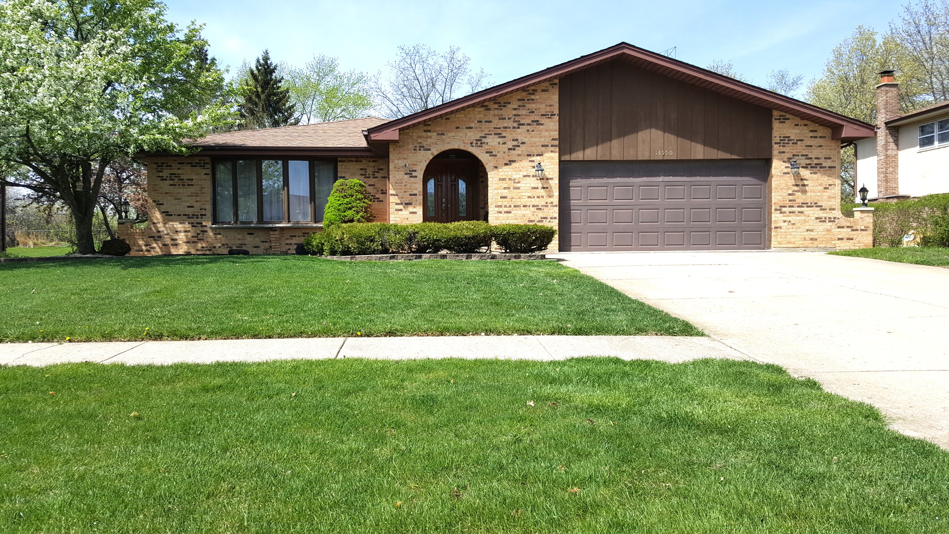 Photo of 14550 South Mustang Drive  HOMER GLEN  IL