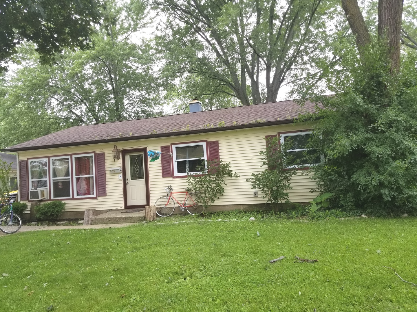 436 North Pershing Avenue, Mundelein in Lake County, IL 60060 Home for Sale