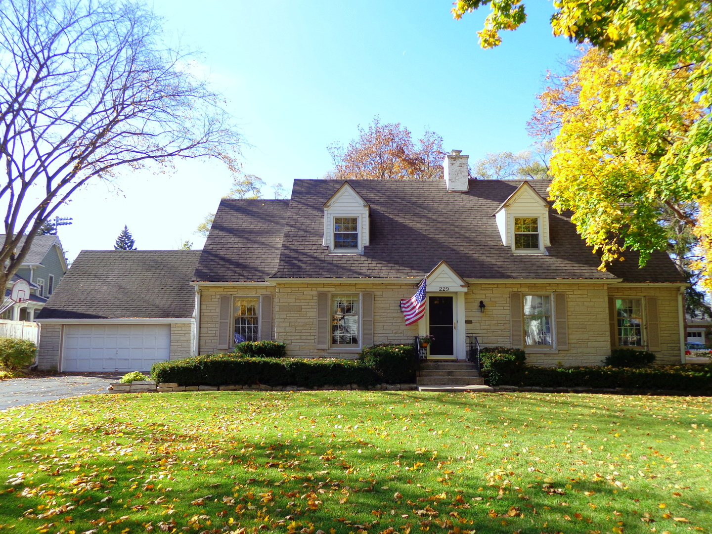 229 Sunset Drive, Libertyville, Illinois