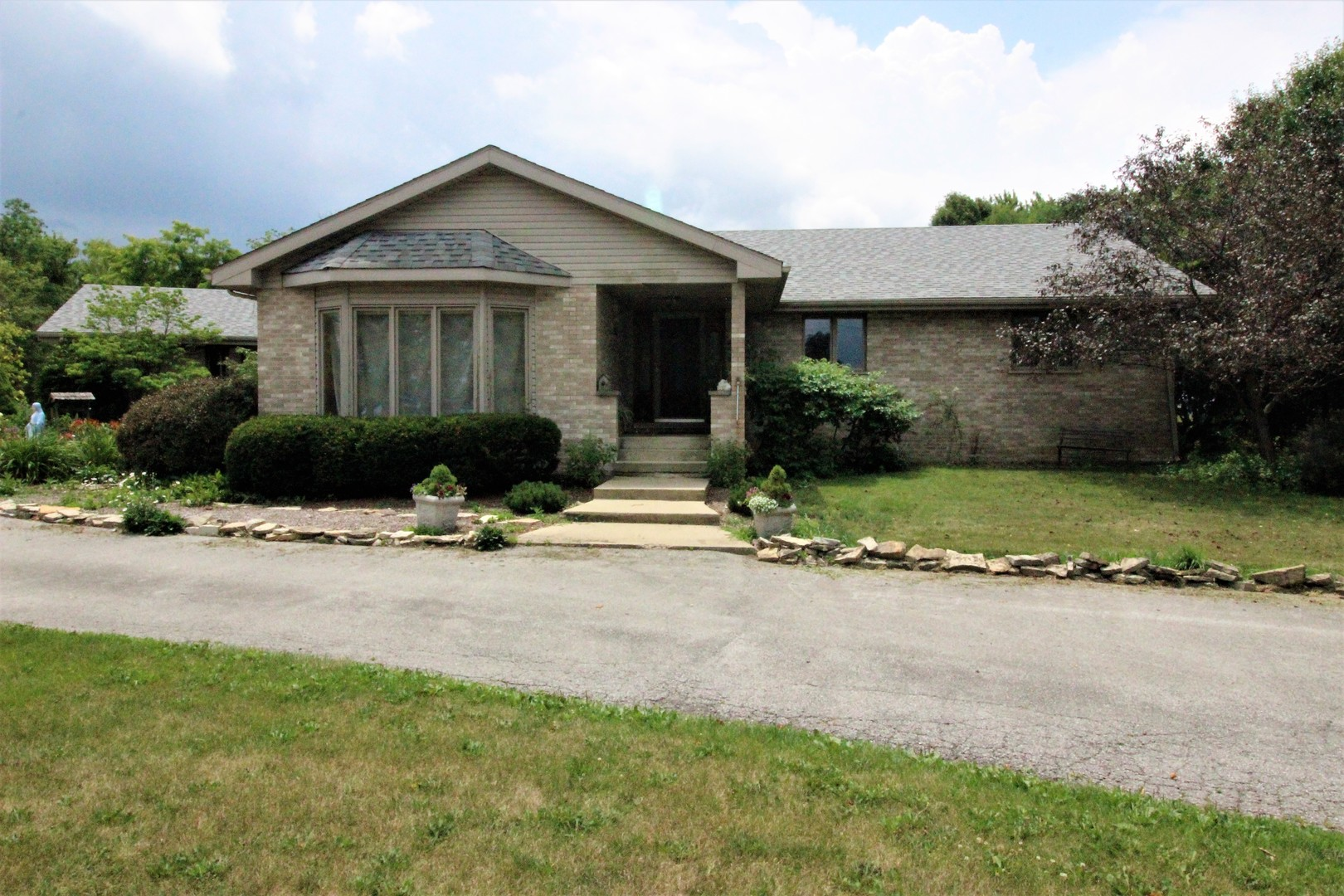 Photo of 4924 East 12000n Road  MANTENO  IL