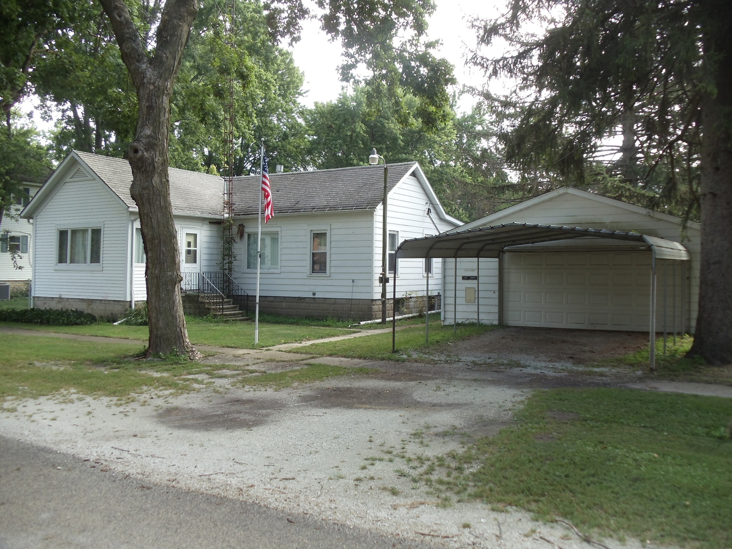 Photo of 102 South Maple Avenue  REDDICK  IL