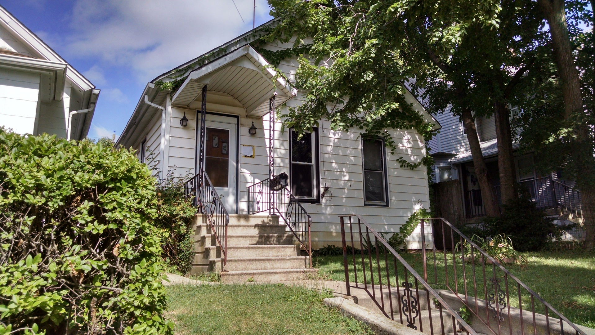 Photo of 813 cora Street  JOLIET  IL