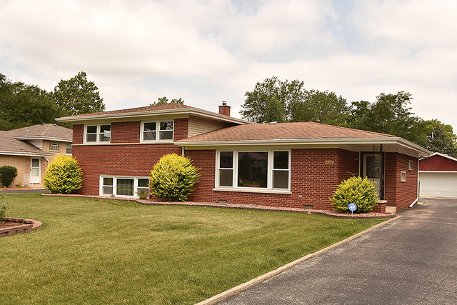 Photo of 6844 West LINDEN Drive  PALOS HEIGHTS  IL