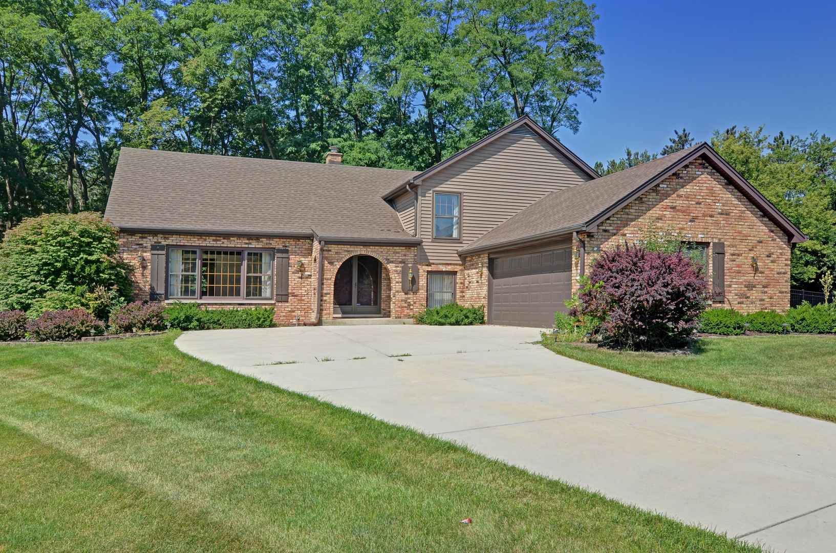 Photo of 16w581 NIELSON Lane  WILLOWBROOK  IL