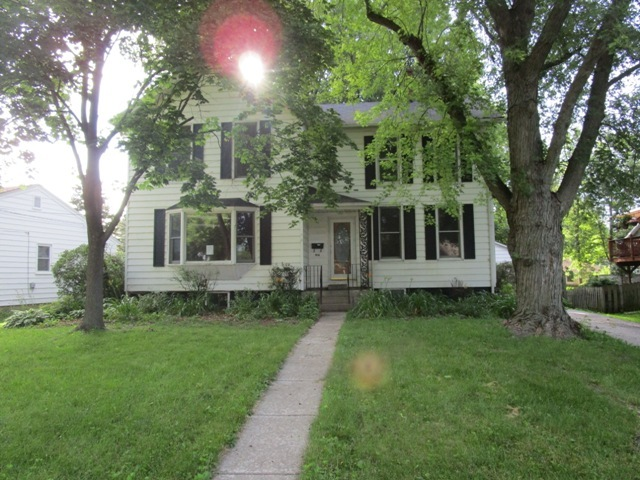 Photo of 914 Center Street  MCHENRY  IL
