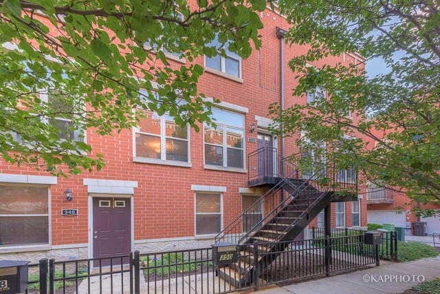 Photo of 350 East 25th Place  CHICAGO  IL