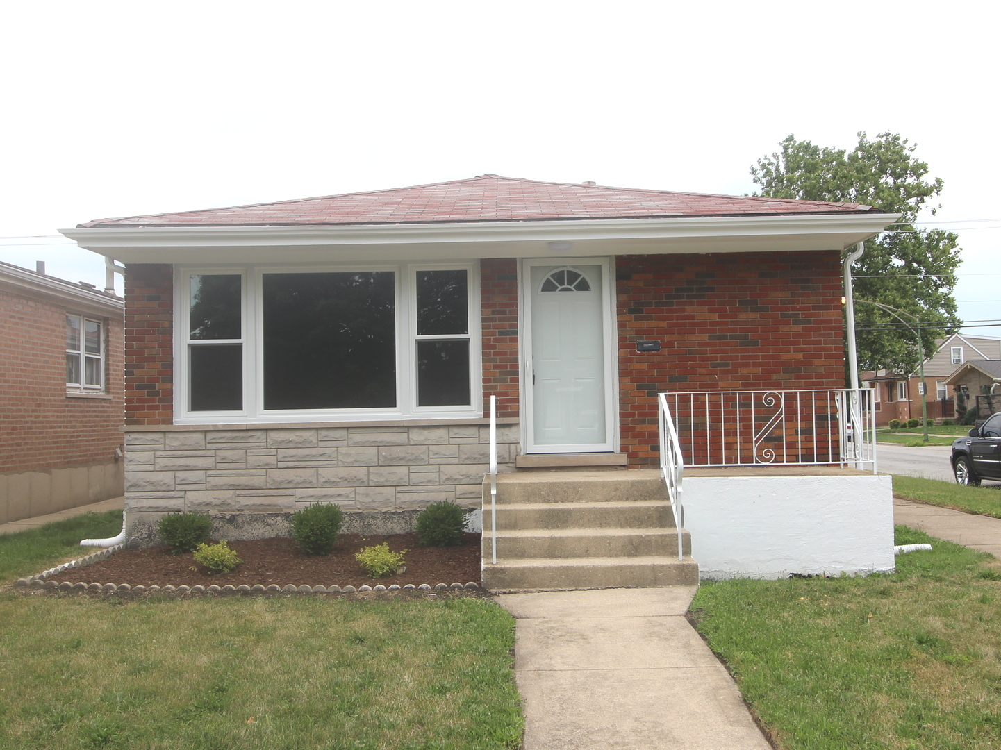 Photo of 2824 East 130th Street  CHICAGO  IL