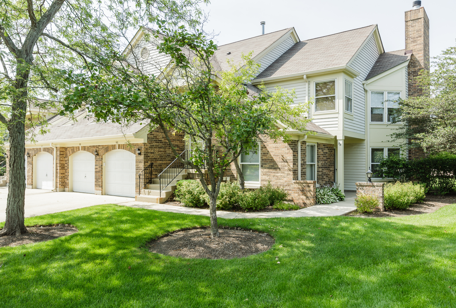 Photo of 58 WILLOW Parkway  BUFFALO GROVE  IL