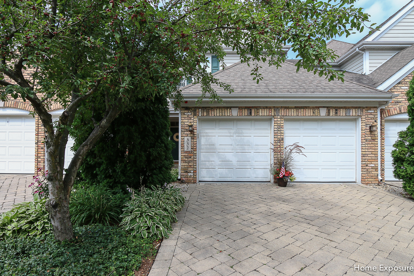 Photo of 332 Reserve Circle  CLARENDON HILLS  IL