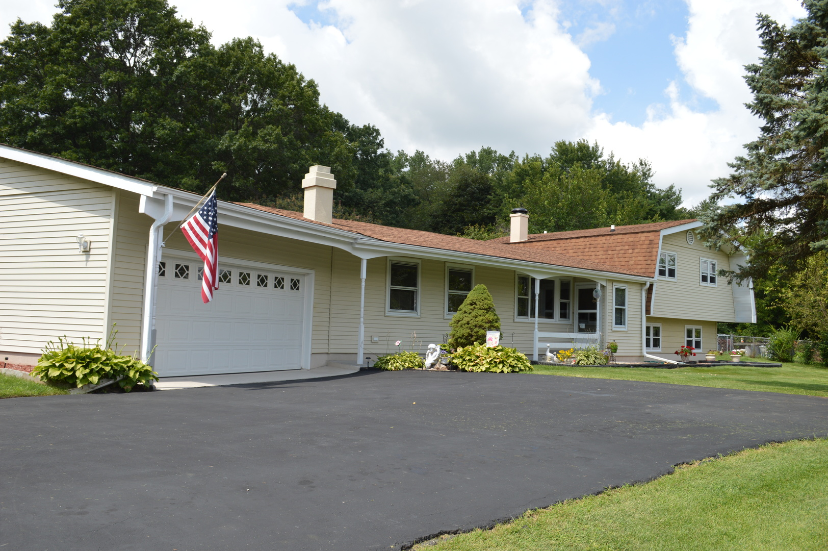 Photo of 3216 Sherwood Forest Drive  SPRING GROVE  IL