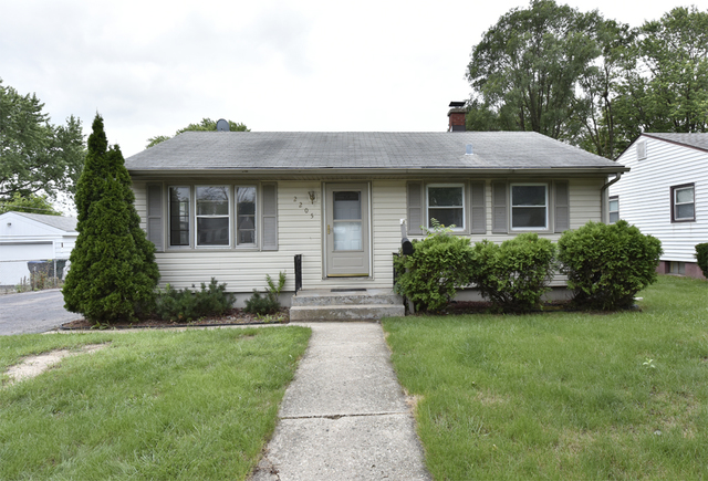 Photo of 2205 9th Parkway  WAUKEGAN  IL