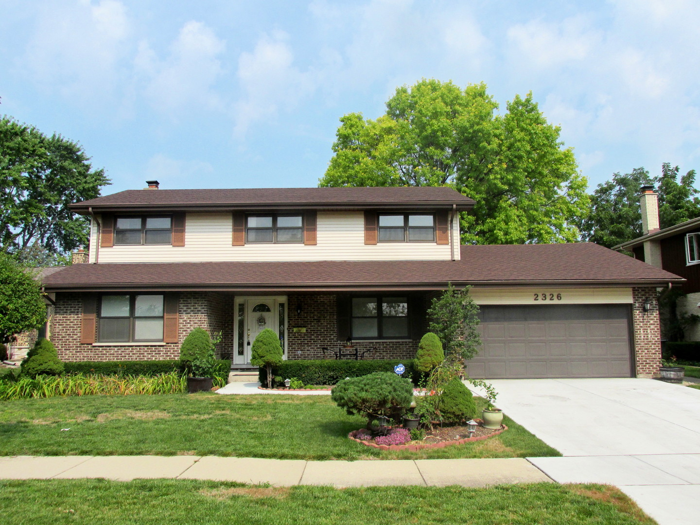 2326 North Prindle Avenue, Arlington Heights in Cook County, IL 60004 Home for Sale