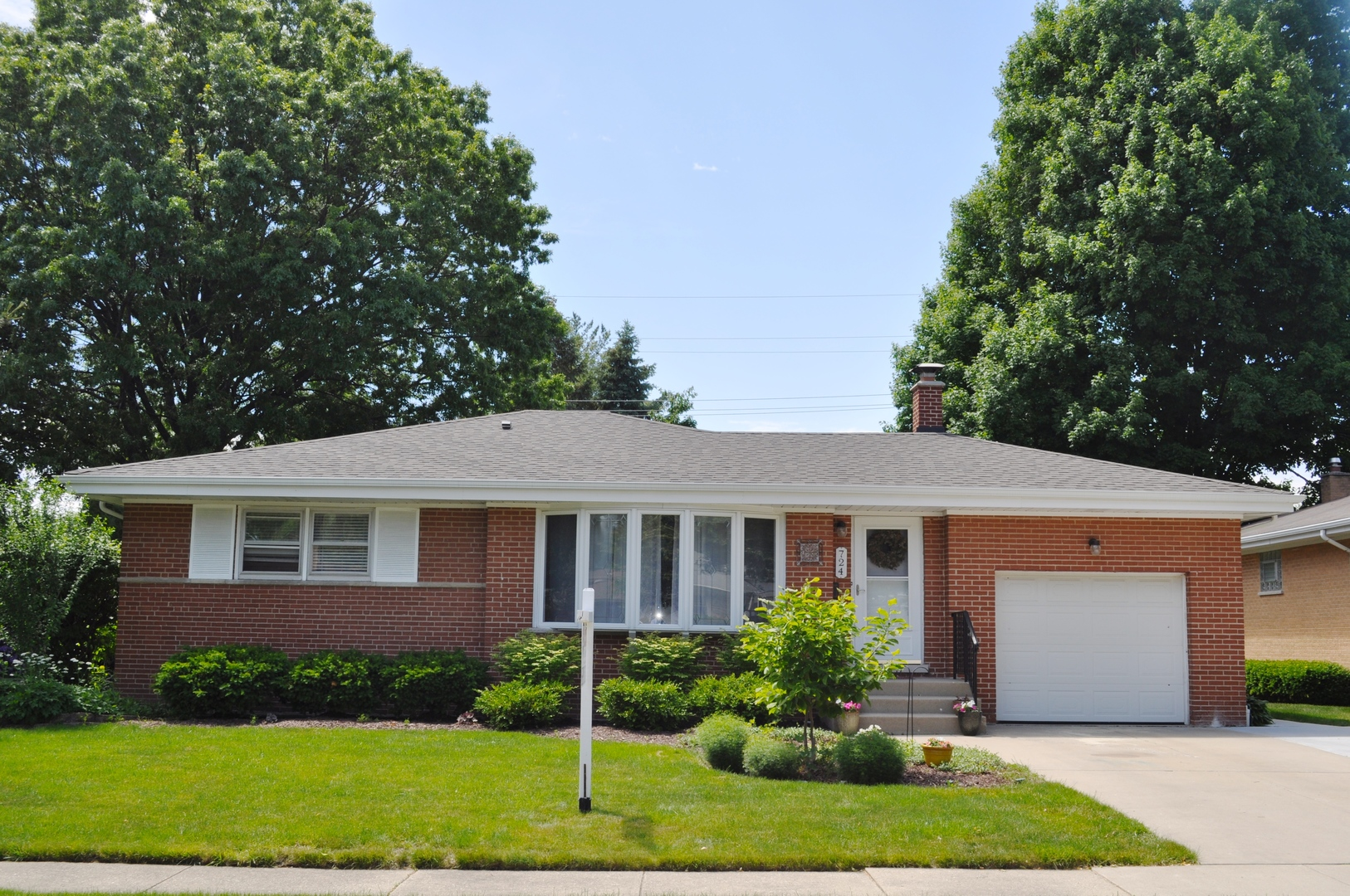 724 North Drury Lane, Arlington Heights in Cook County, IL 60004 Home for Sale