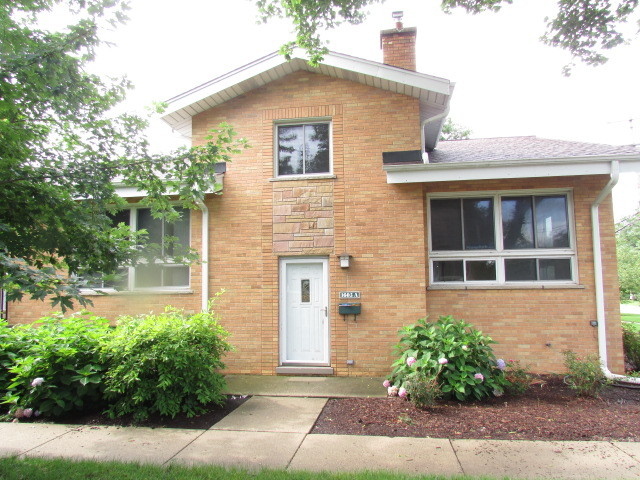 1605 North Arlington Heights Road A, Arlington Heights in Cook County, IL 60004 Home for Sale