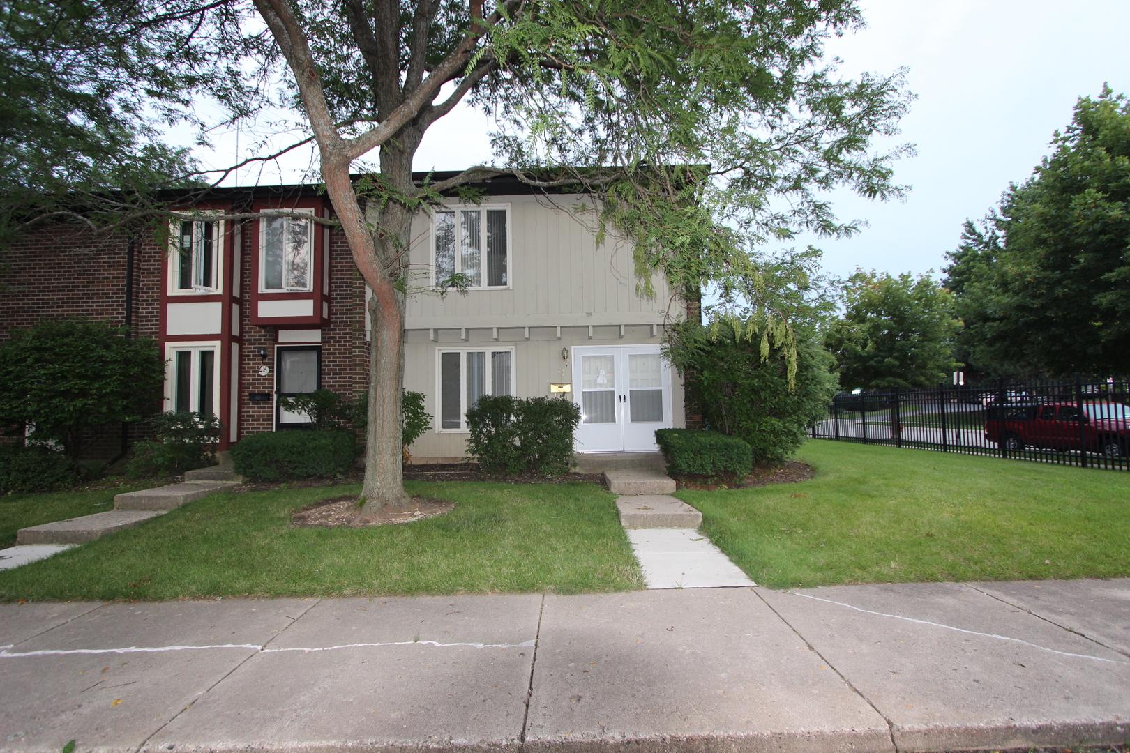 Photo of 13 Garden Crescent Court  ELGIN  IL