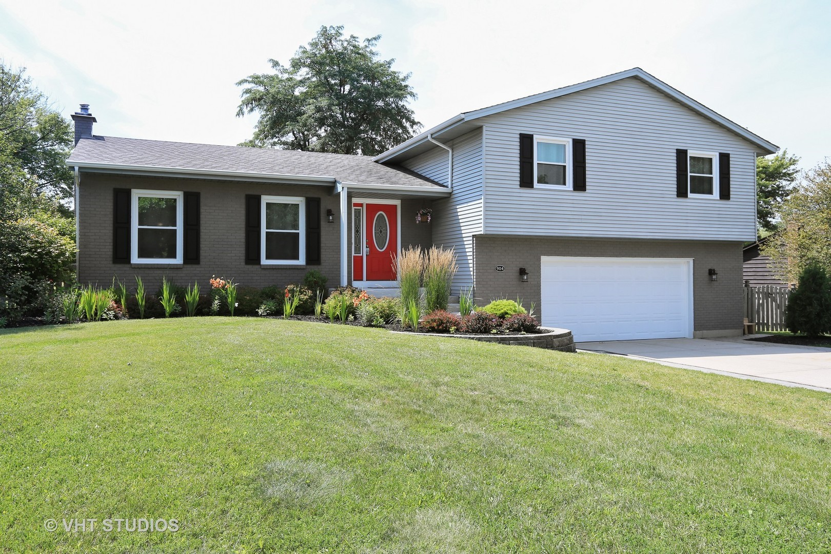 904 Surrey Lane, Algonquin in Mc Henry County, IL 60102 Home for Sale
