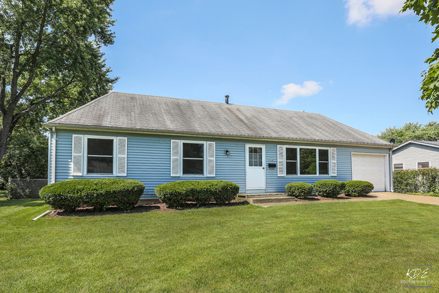 Photo of 12 Fieldpoint Road  Montgomery  IL