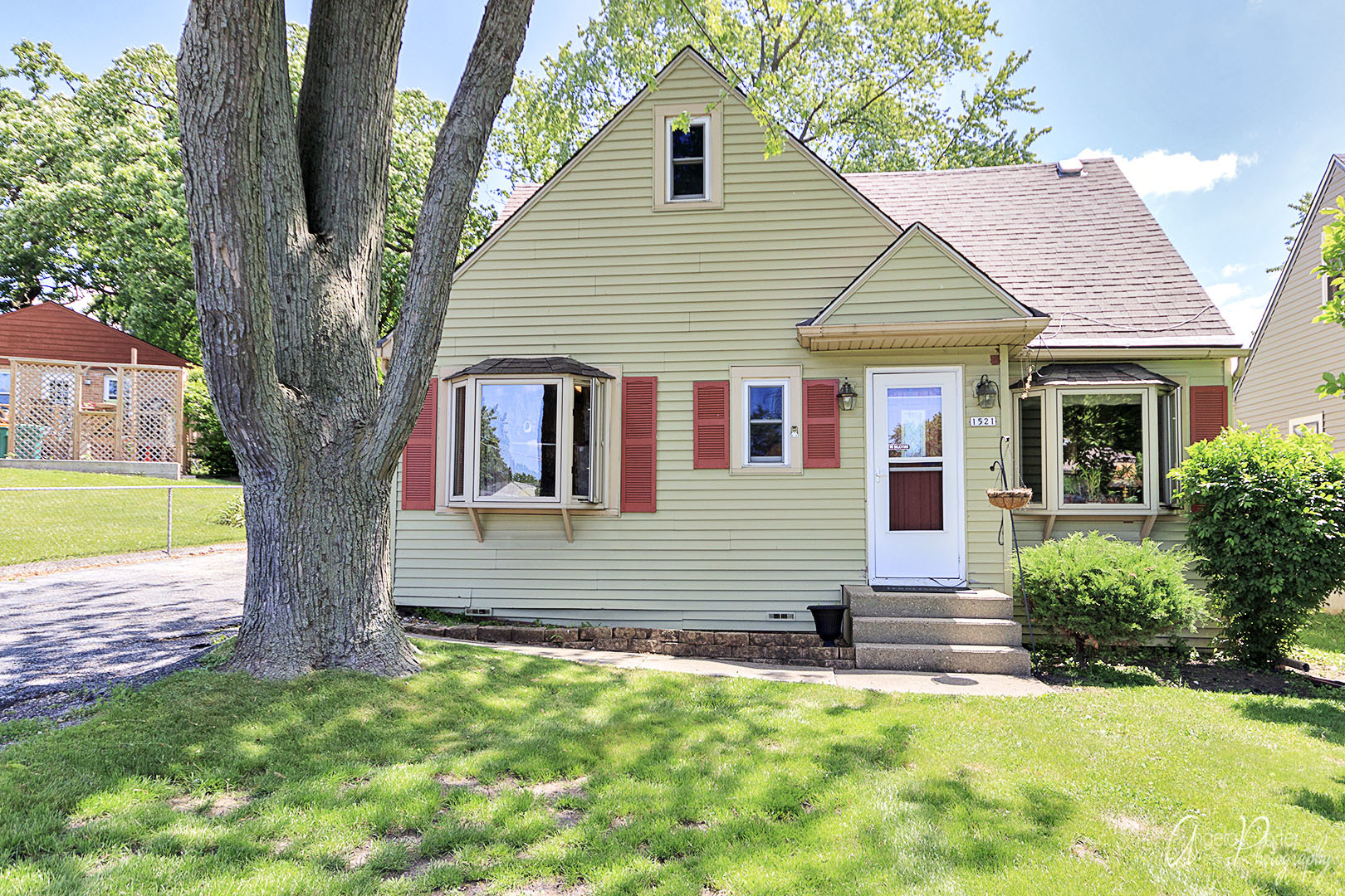 Photo of 1521 Elm Avenue  ROUND LAKE BEACH  IL