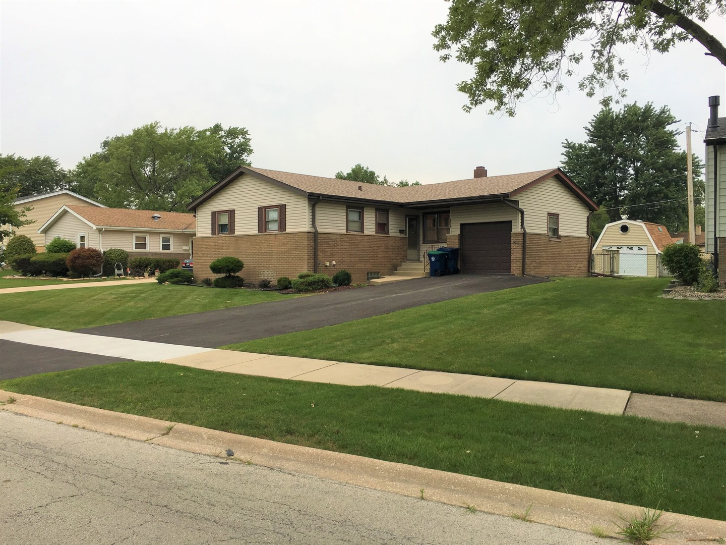 Photo of 9012 West 92nd Street  HICKORY HILLS  IL