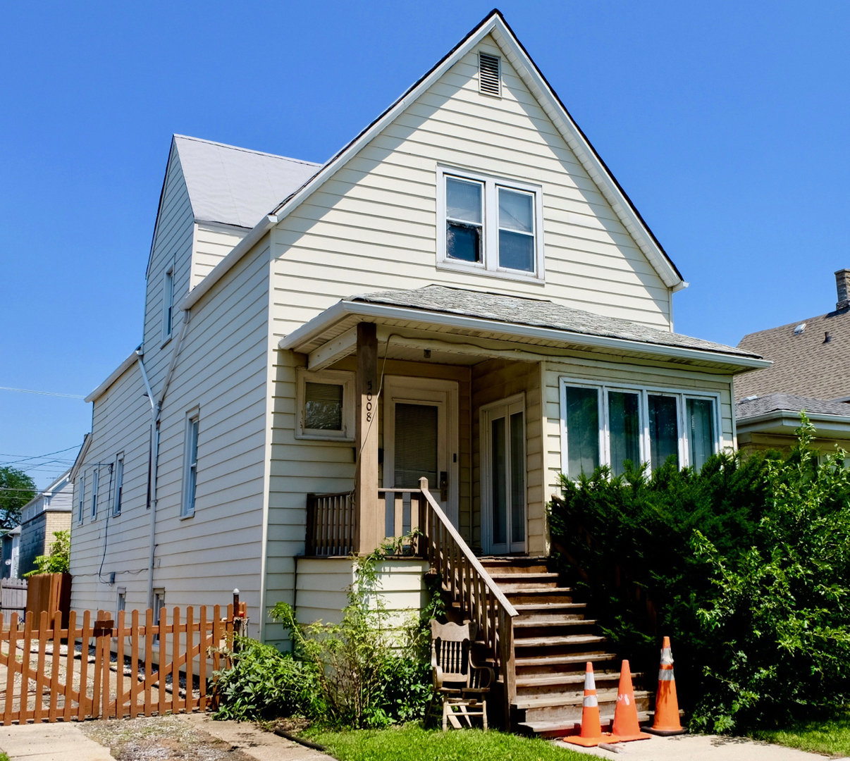 Photo of 5008 West Berenice Avenue  CHICAGO  IL