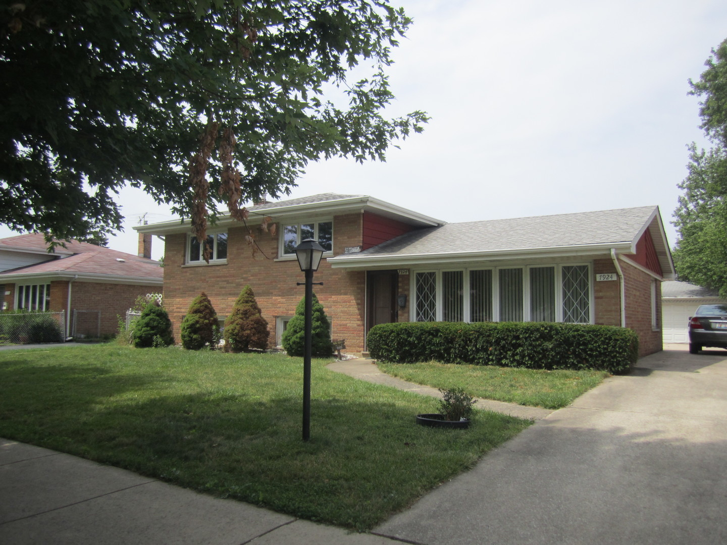 Photo of 7924 Mayfield Avenue South  BURBANK  IL