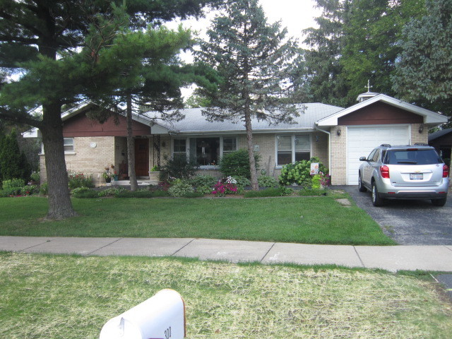 Photo of 300 North Park Street  WESTMONT  IL